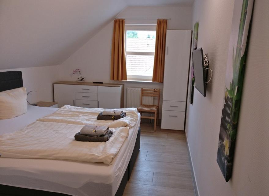 Großes Bild Schlafzimmer | Bildergalerie Vineta Ferienpark Usedom Orchidee Premium 610